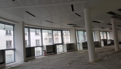 Peintures sur les plafonds de bureaux